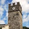 Vallepietra: la Torre Caetani, con i suoi 24 mt sovrasta i tetti del borgo