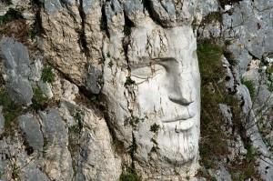 Cervara: una scultura sulla Scala dell'infinito (Montagna d'Europa)