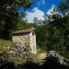 Monti Simbruini, Edicola votiva sul sentiero 671A, salita all'eremo di Santa Chelidonia (Subiaco)