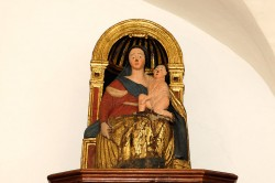 Vallepietra. Museo Civico, Madonna lignea del 1300